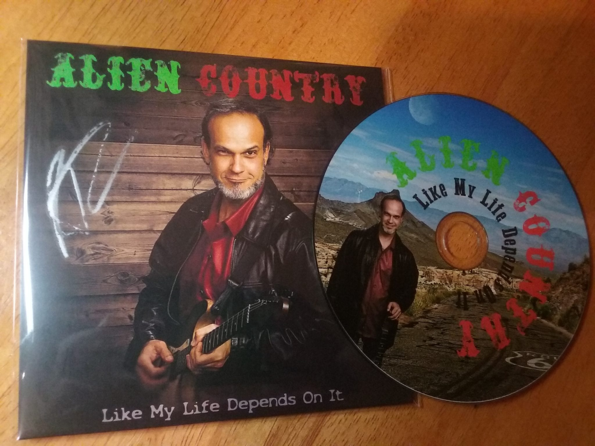 CD first limited edition signed alien country liam marcus 3